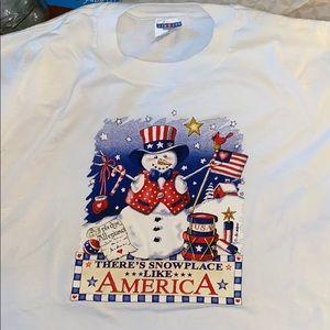 NWOT Winter 🇺🇸 T-Shirt size XL